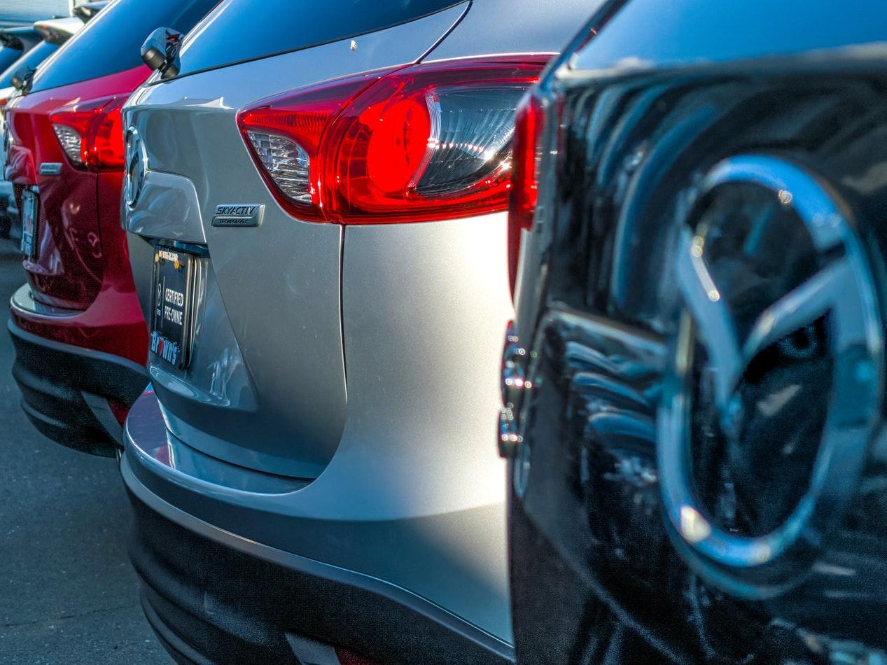 רכבים להשכרה, צילום: Obi Onyeador